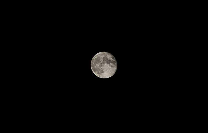 Moon 09-10-2014