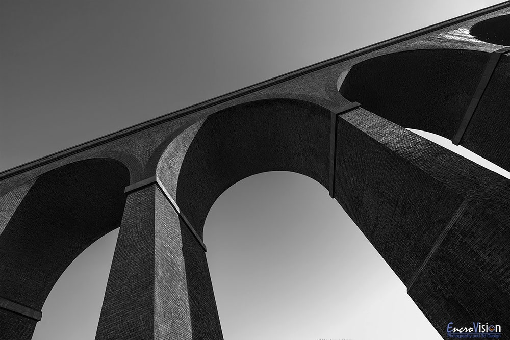 Stambermill Viaduct in Black and White.